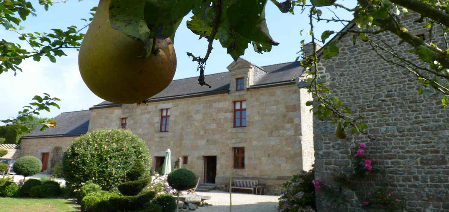 Manoir du Vaugarny, XIV century, castle, historical place, Manor House, Brittany